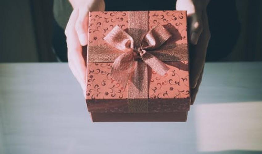 8 ideas de regalos para alguien que sufre de la espalda